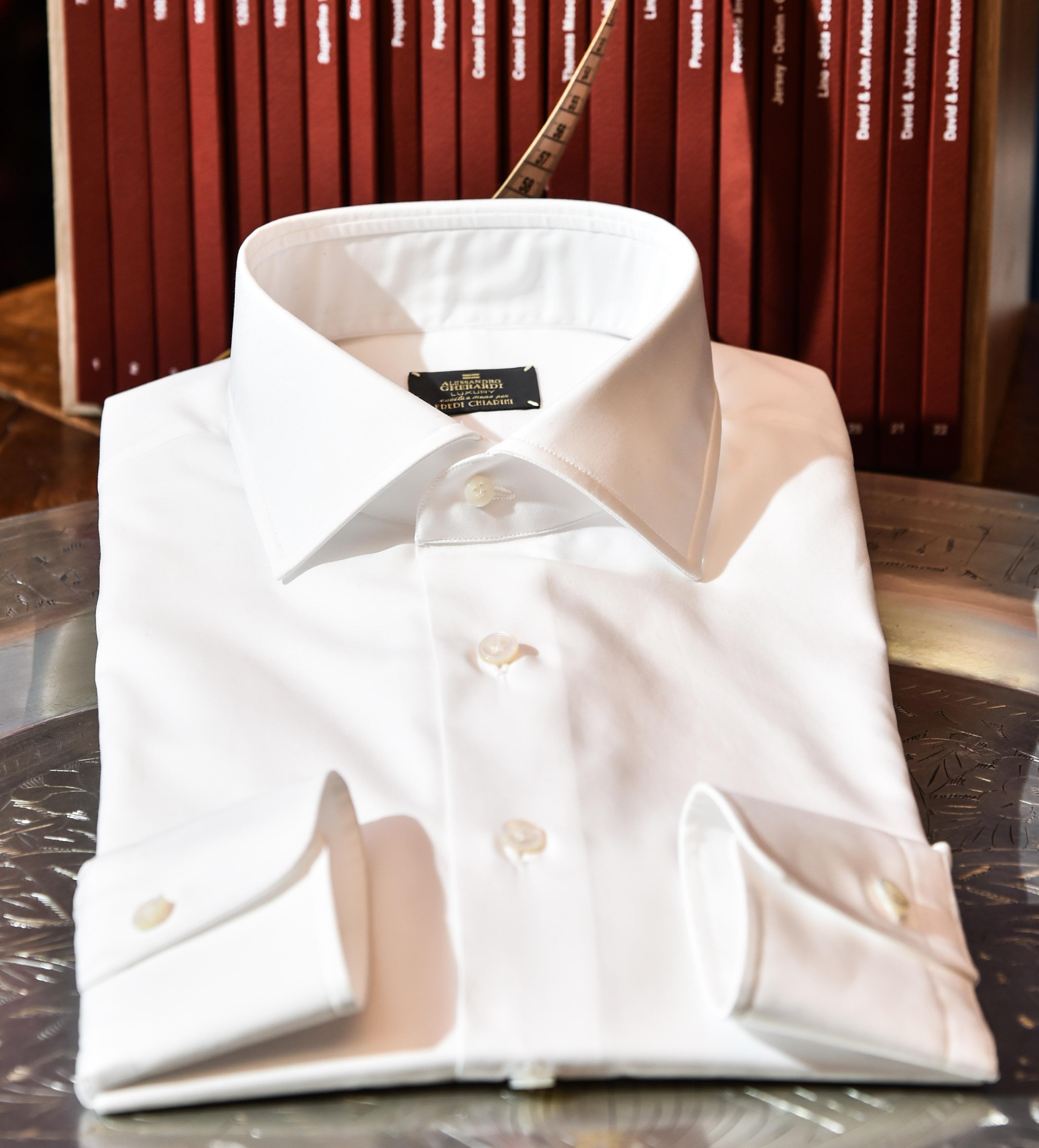 regali di Natale per lui - camicia bianca Alessandro Gherardi