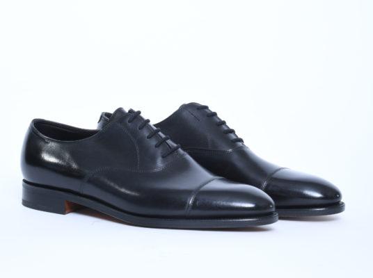 scarpa Oxford uomo pelle nera||calzature uomo nere oxford|scarpe uomo nere oxford|brogue uomo pelle marrone|||Scarpe Oxford e scarpe Brouge|Scarpe uomo Derby e Oxfors|Scarpe Oxford marroni in suede|Scarpe Oxford Black Tie|