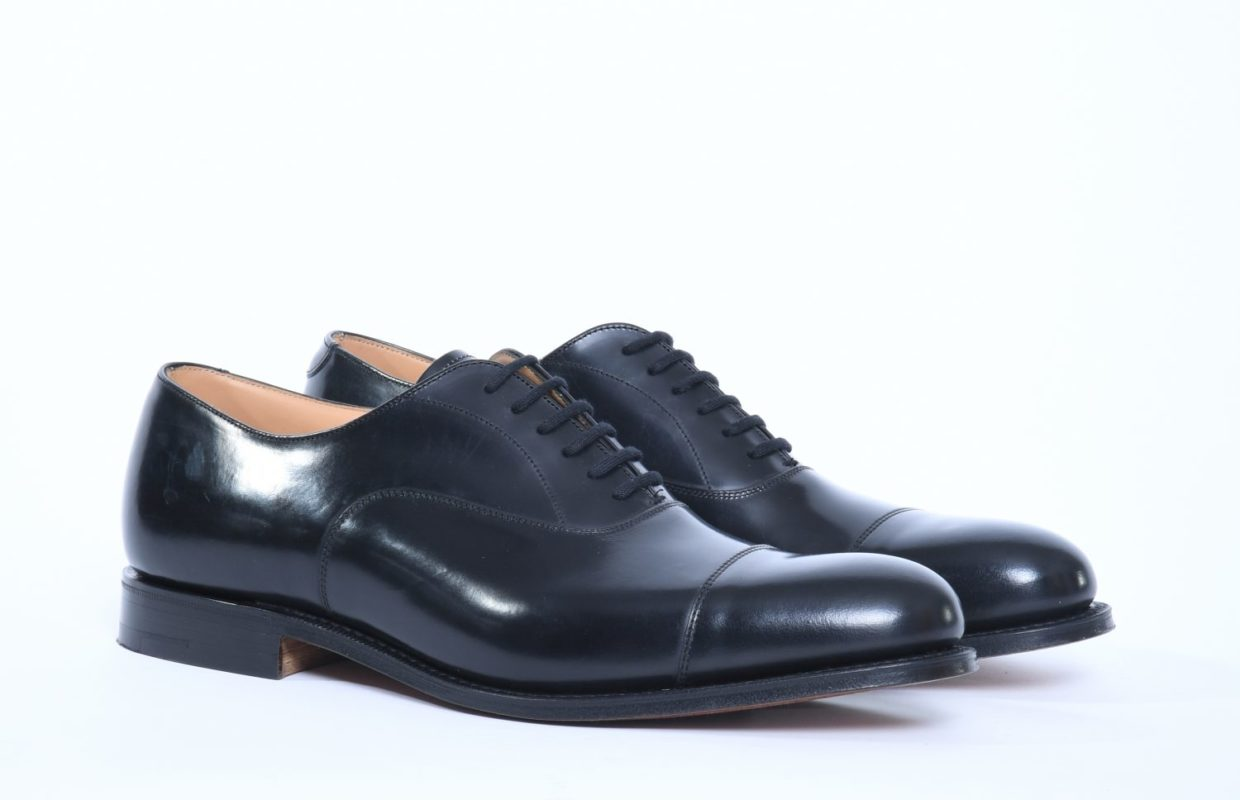 black oxford man shoes