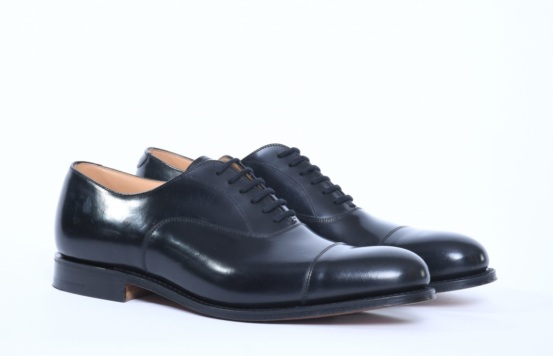 black oxford man shoes