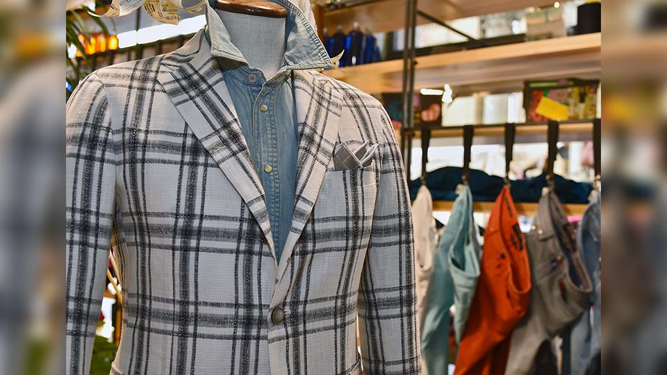 |giacca in maglia eredi chiarini|Dettaglio giacca Tagliatore © Eredi Chiarini|