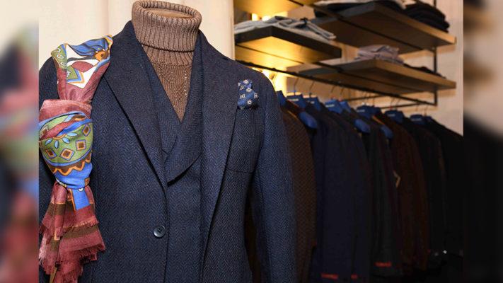 abbinamento giacca uomo e maglione collo alto|Maglioni Drumohr e Zanone||