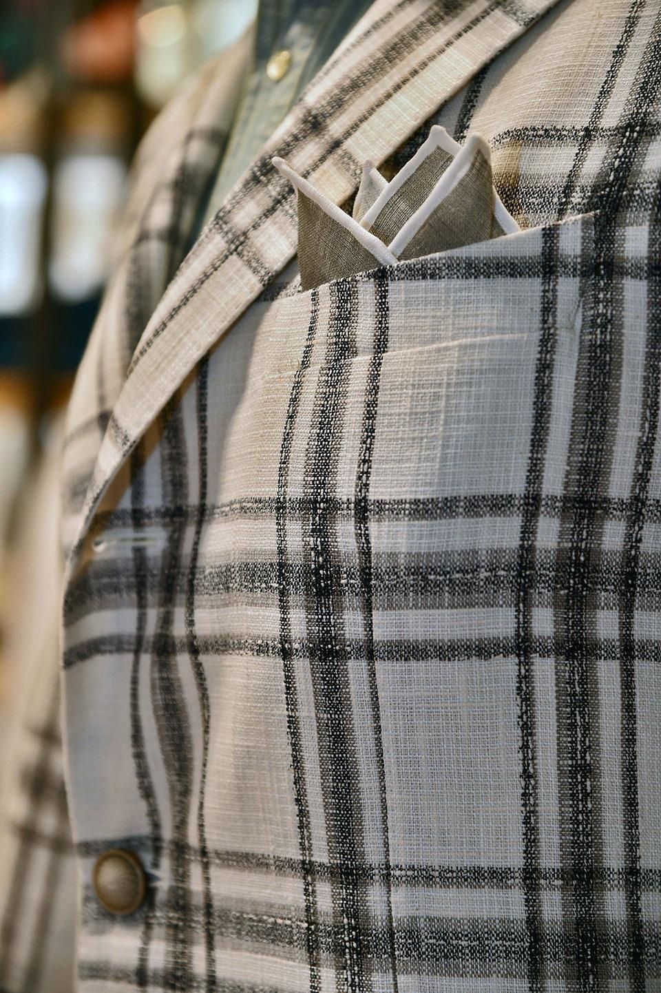Dettaglio giacca Tagliatore © Eredi Chiarini