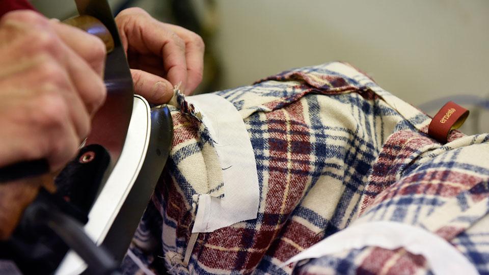 realizzazione-della-giacca-Ernesto