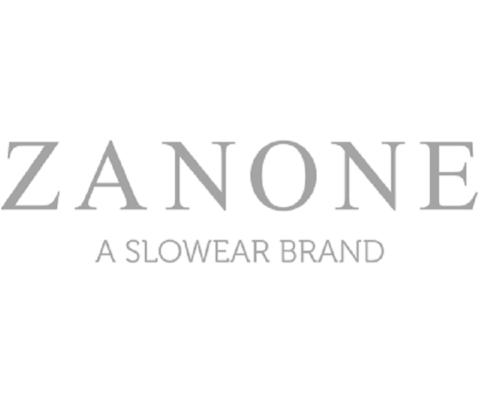 Zanone produce maglieria con materiali d'eccellenza come l'Ice Cotton e il Flexwool. Zanone lo trovi a Firenze da Eredi Chiarini.